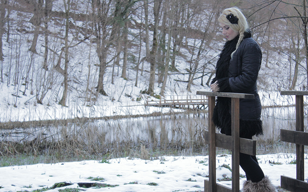 Valentina Gyerek - Zagrli me ove zime